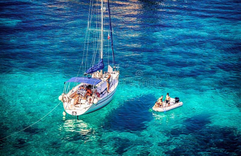Blå lagun på Comino - Malta arkivfoto