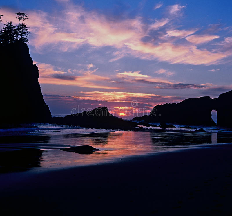 Blå och orange för solnedgång strand i andra hand, olympisk nationalpark royaltyfri foto