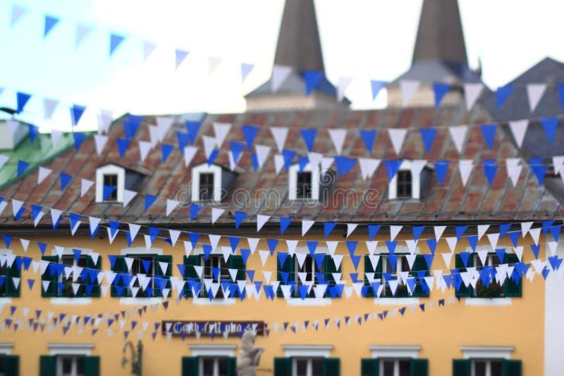 Blå och vit bavarian bunting royaltyfria foton