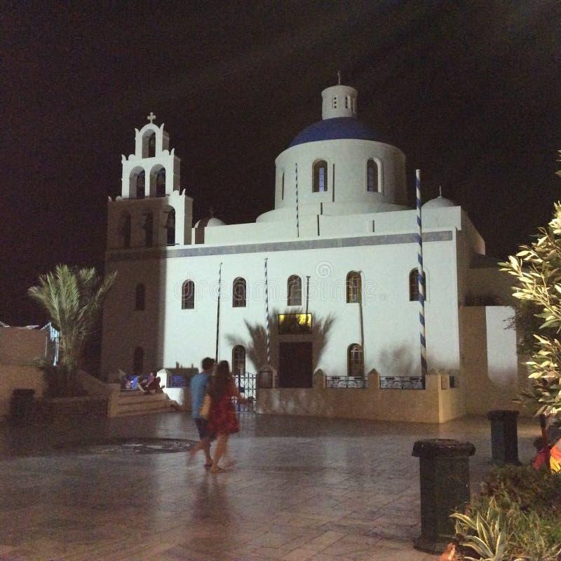 Blå och vit Santorini kyrka fotografering för bildbyråer