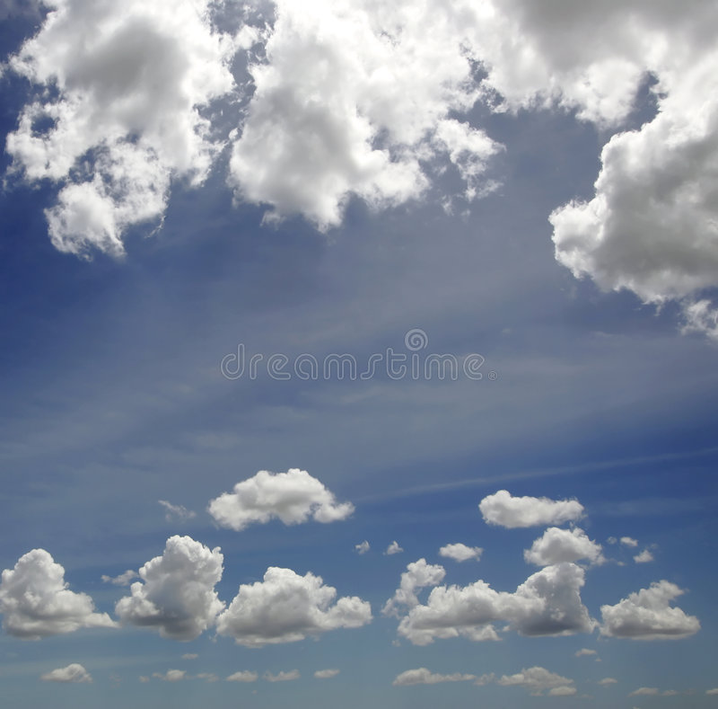 Download Blå oklarhetssky fotografering för bildbyråer. Bild av oklarhet - 500745