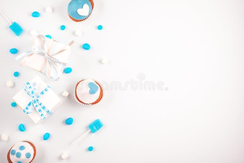 Blå partitillbehör Inbjudan födelsedag, ungmöparti royaltyfria foton