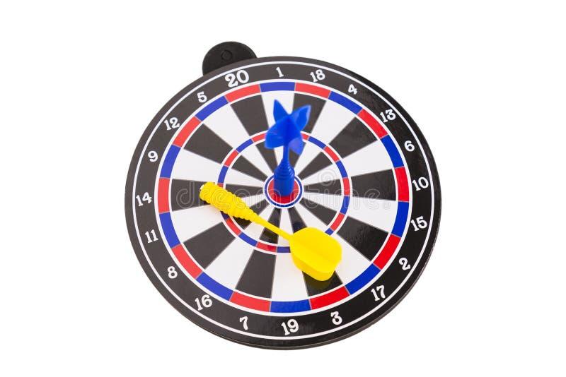 Blå pil på mittdarttavla i konkurrensbegrepp arkivbild