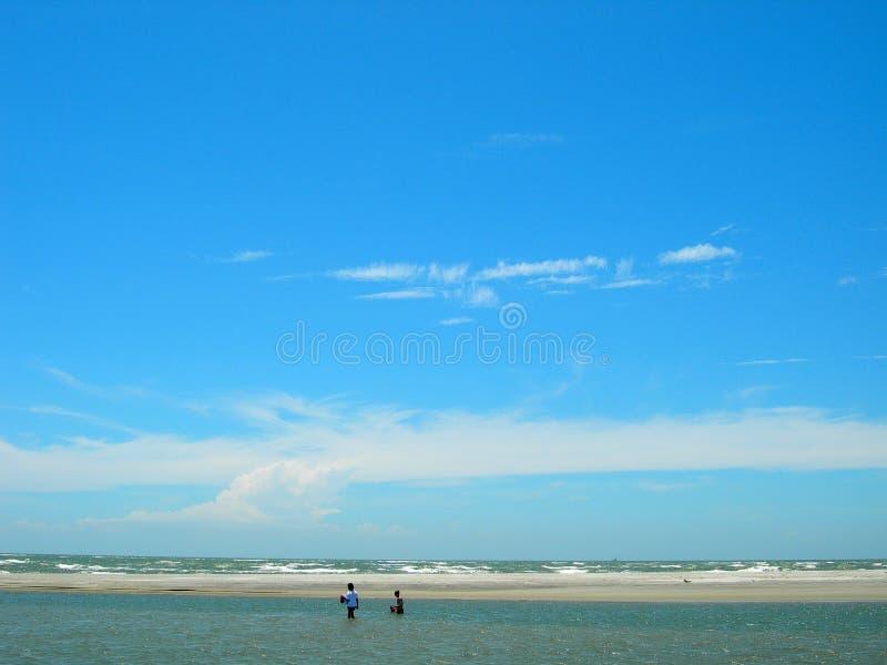 Download Blå Pittoresk Sky För Strand Arkivfoto - Bild av sceniskt, sandigt: 981358