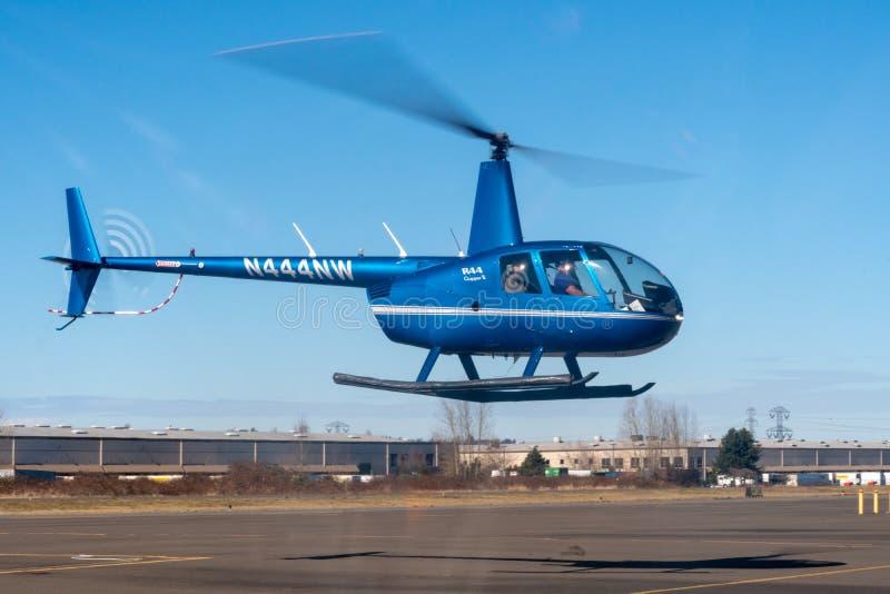 Blå R44 arkivbild