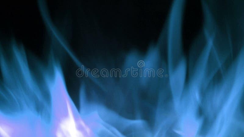 Blåa brandflammor i toppen ultrarapid, Shooted med den snabba biokameran royaltyfri fotografi