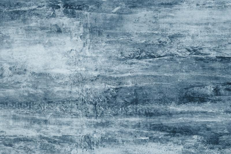 Blåa fläckar på en grå kanfas Blåa målarfärgfläckar på väggen Abstrakt modell av vattenfärgstil på grå bakgrund Abstrakt illu royaltyfria bilder