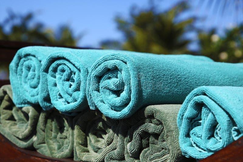 blåa handdukar arkivbild