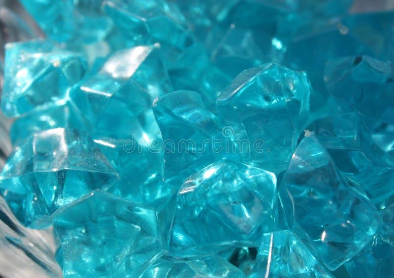 Blåa kristaller av exponeringsglas royaltyfri bild
