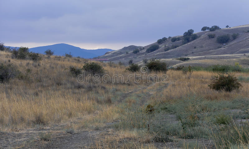 Blåa kullar och bergmaxima Koktebel arkivbilder