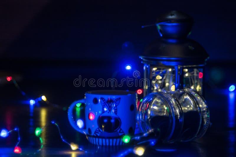 Blåa ljus på jul royaltyfri foto