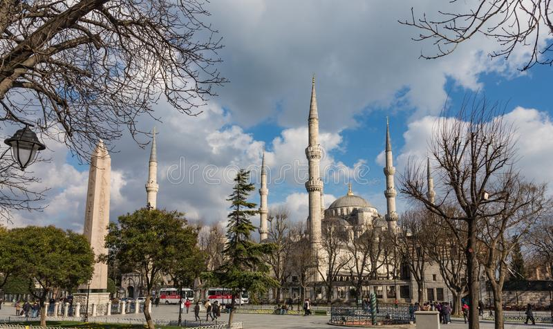 Blåa moské eller Sultan Ahmed Mosque Turkish: Sultan Ahmet Camii i Istanbul, Turkiet royaltyfri bild