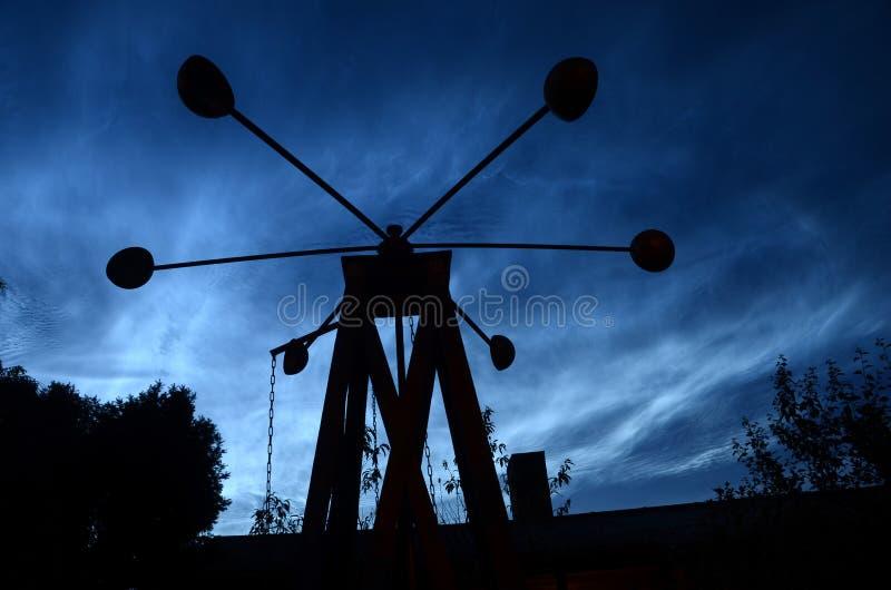Blåa noctiliucent moln för stål royaltyfri foto