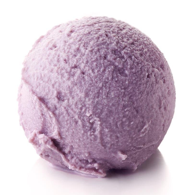 Blåbärglassboll royaltyfria bilder