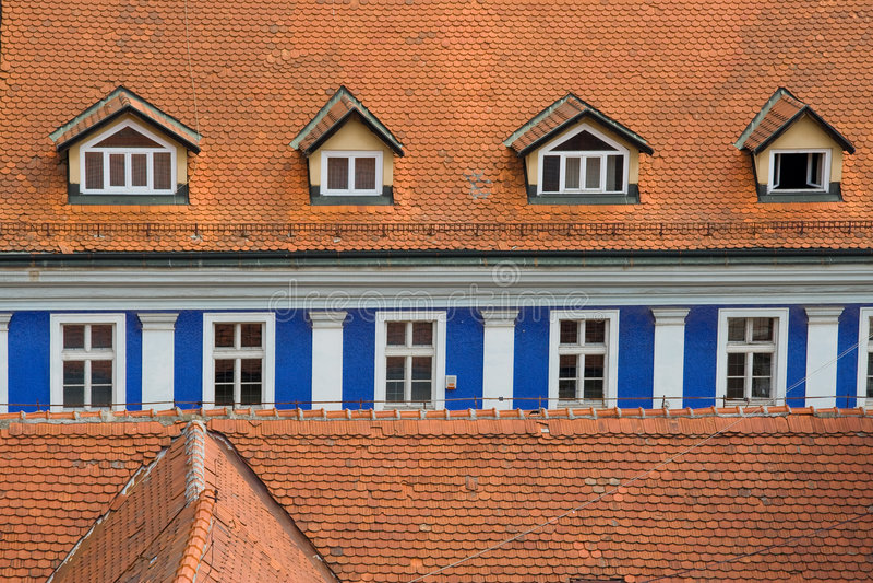 blålinjenfönster royaltyfri foto