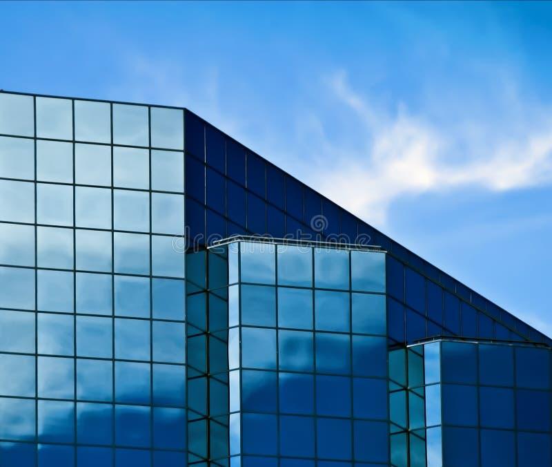 blått byggnadsexponeringsglas royaltyfri foto
