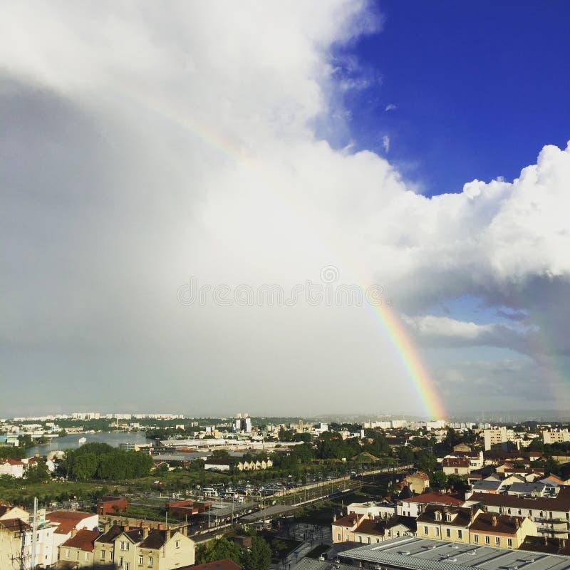 Blått för ciel för regnbågelyon Frankrike himmel franska arkivbild