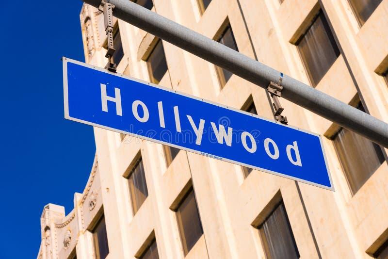Blått Hollywood gatatecken arkivfoton