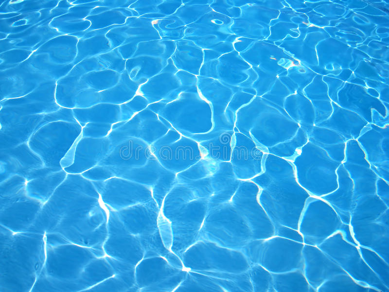blått klart pölvatten för bakgrund royaltyfri foto
