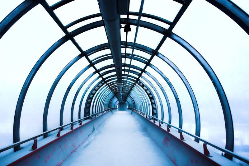 blått korridorexponeringsglas royaltyfri fotografi