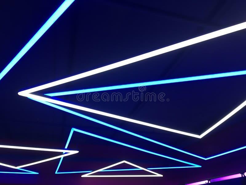 blått lampaneon arkivfoto