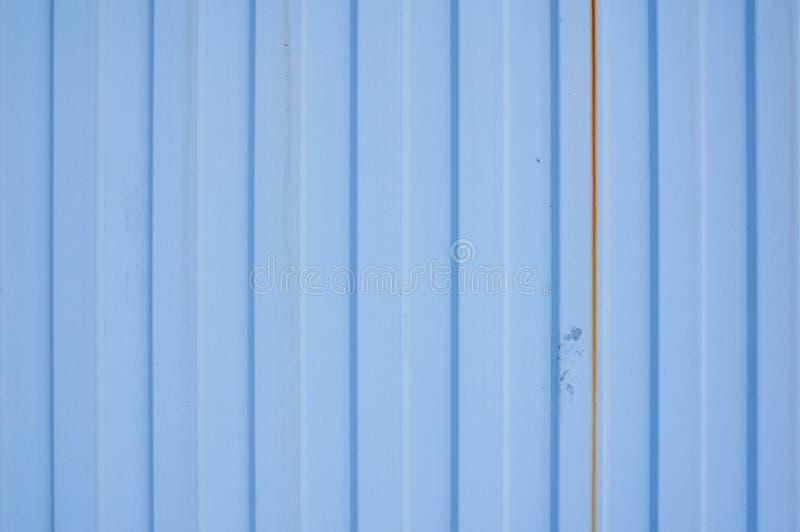 Blått metalljärnark med vertikala band royaltyfria foton