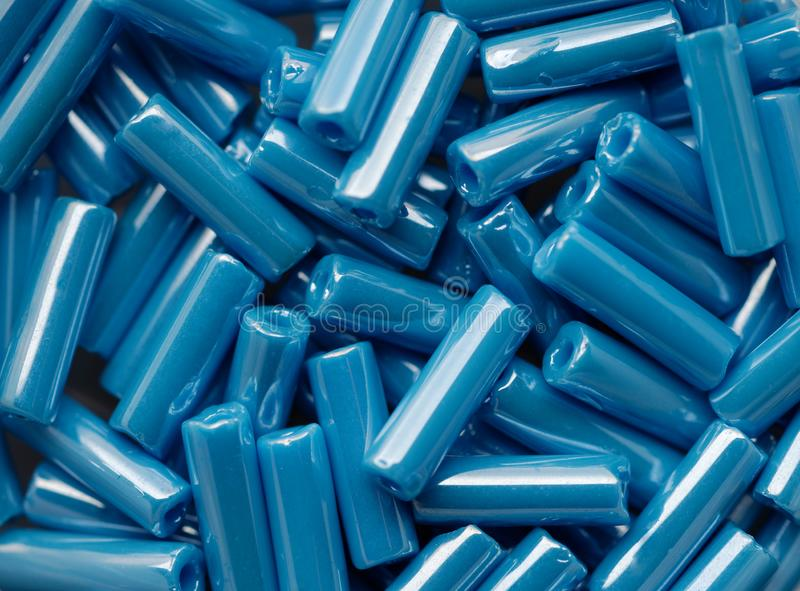 Blått pryder med pärlor sortimentet royaltyfria foton