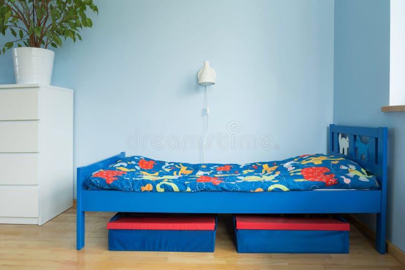 Blått rum av en pojke royaltyfri fotografi