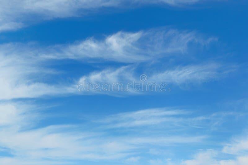 bl? sky f?r bakgrund royaltyfria foton