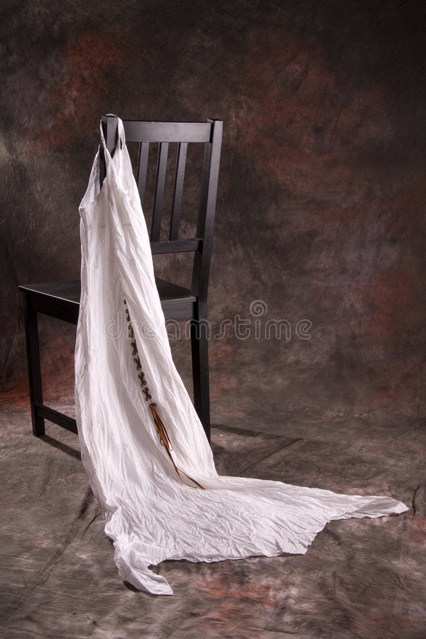 Free Black Chair With White Dress Royalty Free Stock Images - 7955089