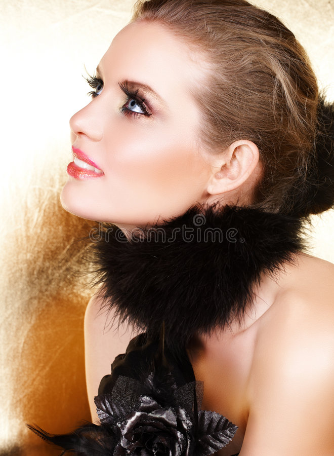 Free Black Feathers And Blond Woman Royalty Free Stock Image - 5361006