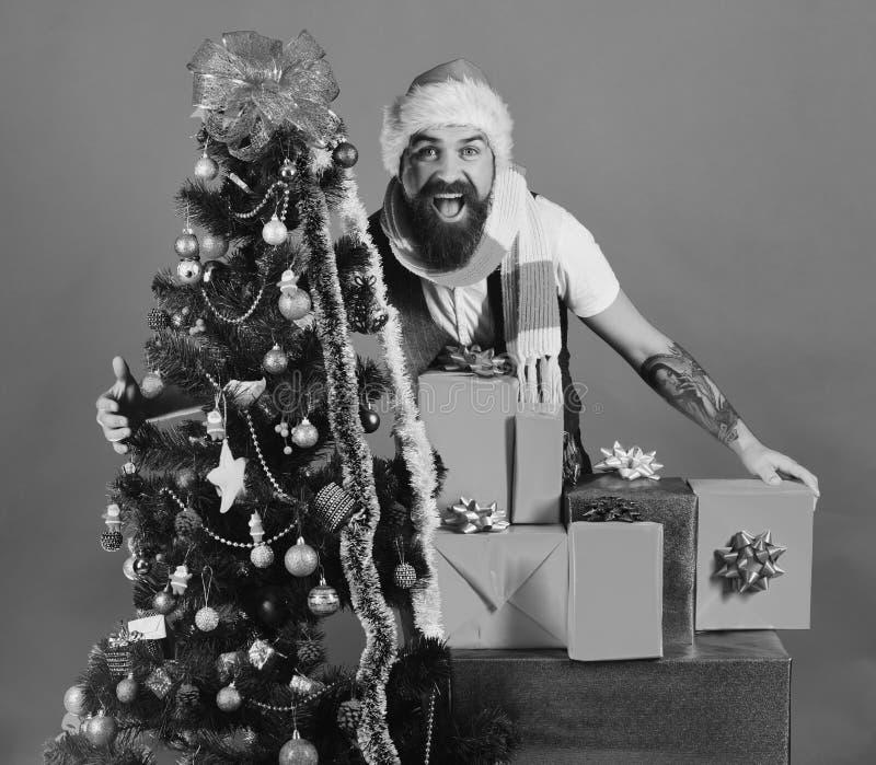 Black Friday avant concept de Noël Homme avec la barbe photo libre de droits