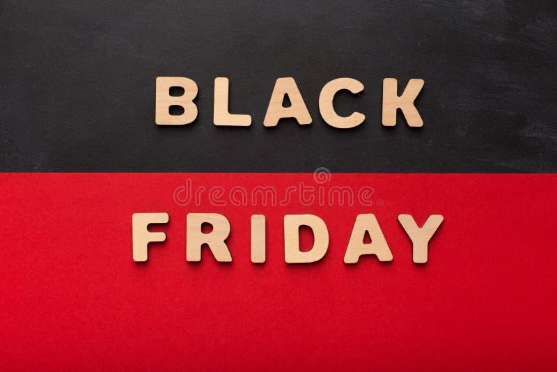 Black Friday a orthographié avec les lettres en bois image libre de droits