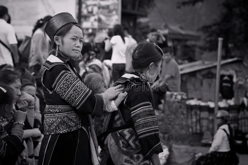 Download Black Hmong's Women From Cat Cat Village In Sapa Editorial Stock Image - Image: 34277044