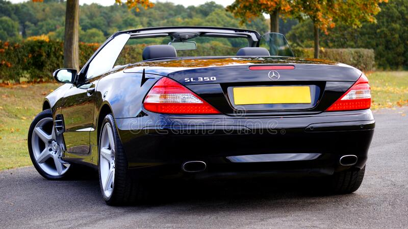 Black Mercedes Benz Sl 350 Convertible Coupe royalty free stock photos