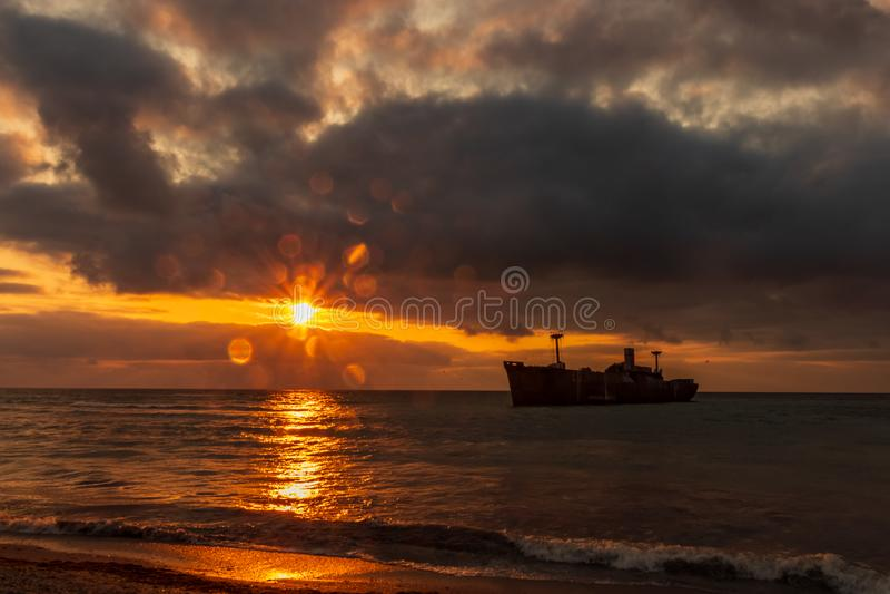 Black Sea och soluppgång royaltyfria bilder