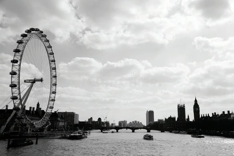 Black&white del paesaggio di Londoneye immagine stock