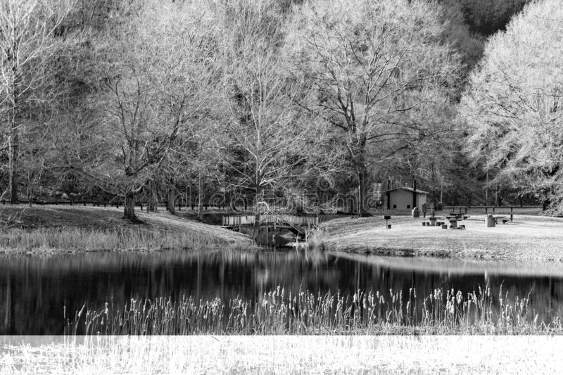 Black and White image of the Picnic area at the Smith Mountain Hydroelectric Dam - 2. Sandy Level, VA – January 8th:Picnic area at the Smith Mountain stock photography