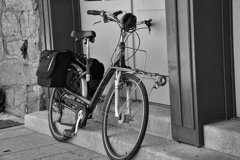 Black And White Mountain Bike Free Public Domain Cc0 Image