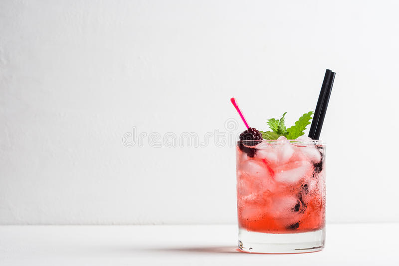 Blackberry-Cocktail stock afbeelding