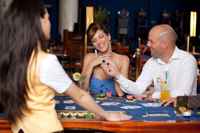 blackjack παιχνίδι ζευγών στοκ εικόνες