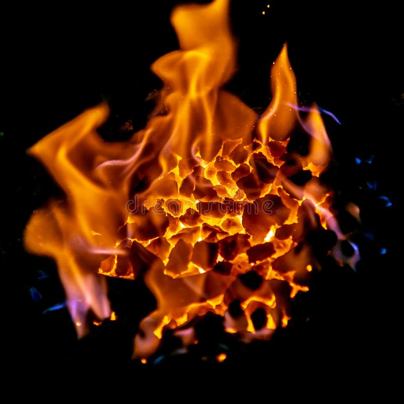 Blacksmiths węgle pali dla żelaznej pracy, Styczeń 2019 zdjęcie stock
