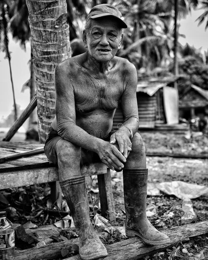 Blackwhite Potrait Oldman Batam Indonésia imagem de stock