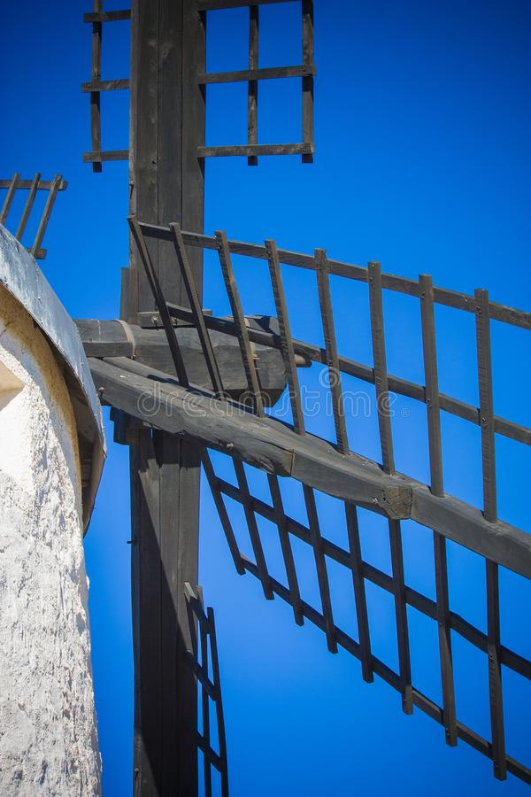 Blad av den spanska väderkvarnen, nedersta sikt arkivfoto