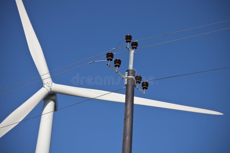 bladelkraften lines windmillen arkivfoto
