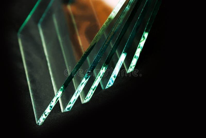 Bladen van Fabriek die de aangemaakte duidelijke die panelen vervaardigen van het vlotterglas aan grootte worden gesneden stock afbeeldingen