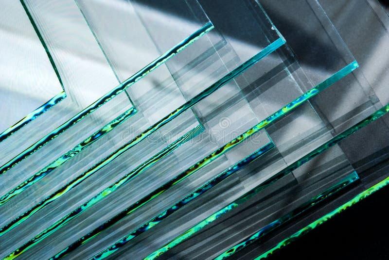 Bladen van Fabriek die de aangemaakte duidelijke die panelen vervaardigen van het vlotterglas aan grootte worden gesneden royalty-vrije stock afbeelding