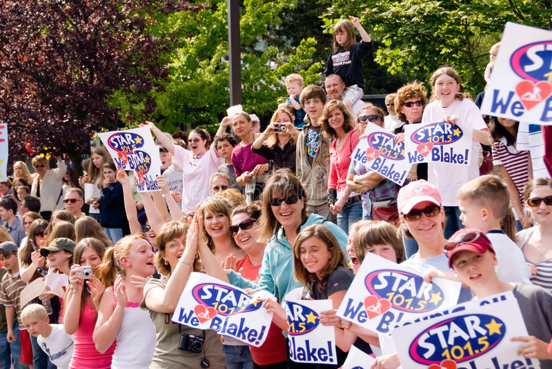 Blake Lewis parade fans. Fans and parade crowd yelling to Blake Lewis in the parade in Bothell WA stock photo