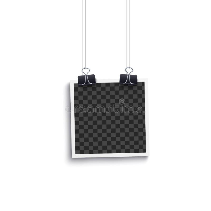 Blanc d'album ou cadre polaroïd de photo vide carrée accrochant sur une maquette d'agrafe illustration de vecteur