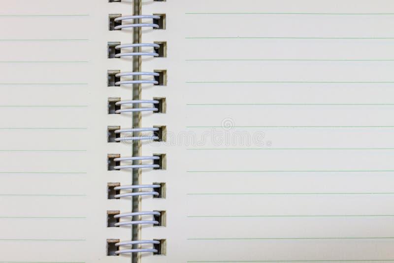 Blanc de carnet d'anneau sur le fond blanc photos stock